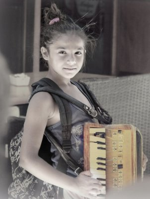 Girl with accordeon (by Philos fron Athens) {JPEG}