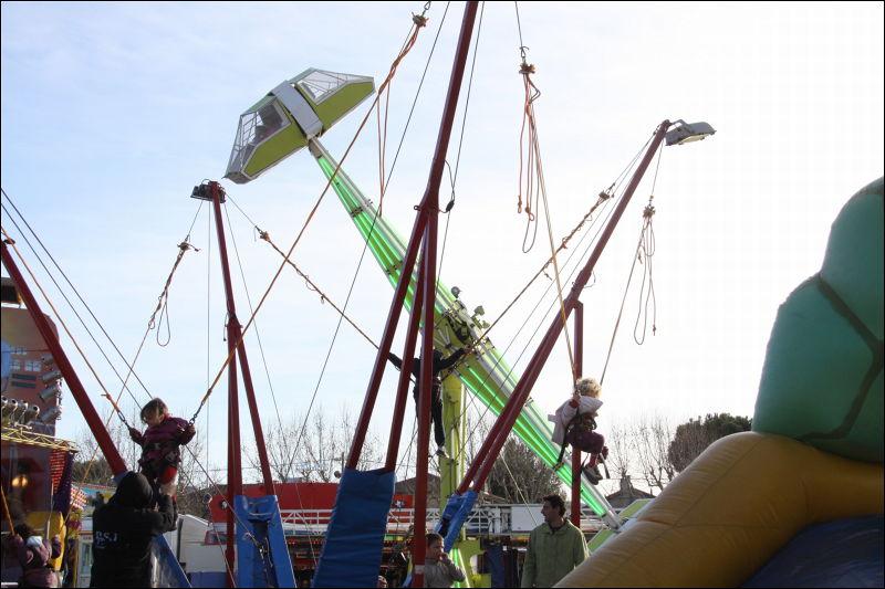 Luna Park ouvertdu samedi 19 février au dimanche 13 mars 2011 sur le parking Savine à Gardanne, loisirs enfants provence, sorties enfants provence, gardanne , actuprovence